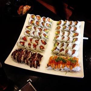 Photo: #foodporn #sexy #sushi #sushistop #rice #salmon #avocado #eel #sauce